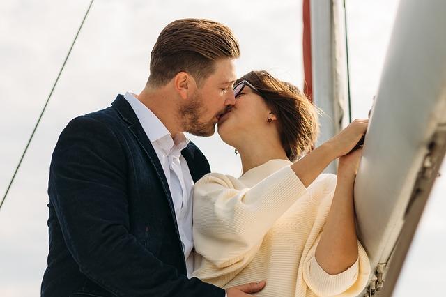 polibek na lodi