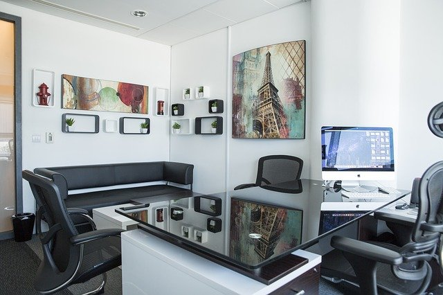zařízená kancelář