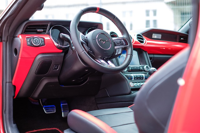 kabina vozu Mustang