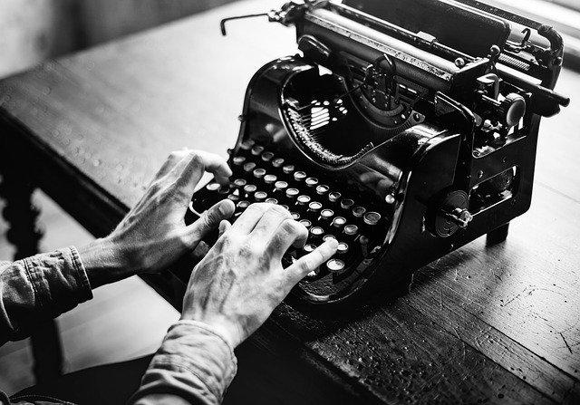 psaní na stroji